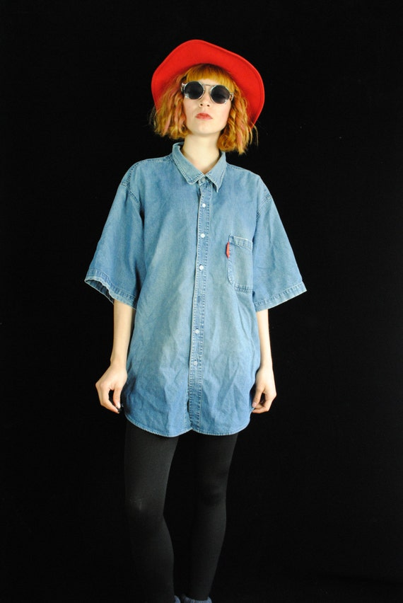 how to wear an oversized button up
