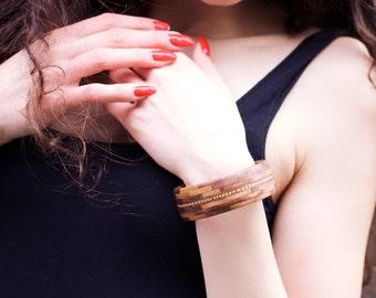 bracelet made of Walnut with inlaid