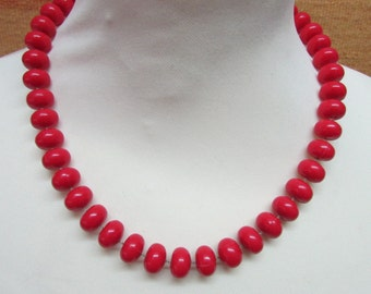 1980s does 1950s red bead collar necklace