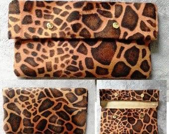 POCHETTE FEMME girafe intérieur NUBUCK véritable / big faux fur and nubuck leather pouch