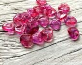 Czech glass beads, glass rose petal beads fuchsia 8x7mm pack of 20