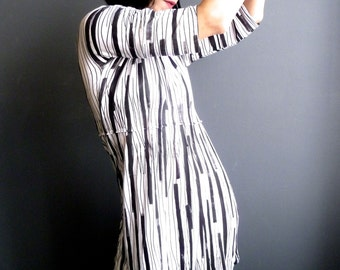 Stripes Art Dress - iheartfink Handmade Hand Printed Womens Unique Black White Vertical Striped Jersey Tunic Mini Dress with Sleeves