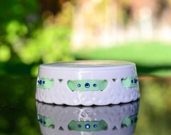 Ribbon and Crystal Porcelain Base - 1549