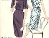 Vogue 9951 / Vintage 60s Sewing Pattern / Dress / Size 12 Bust 32
