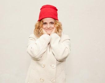 Women RED felt hat / AUTUMN WINTER handmade hand draped red felt cloche hat/ hat with brim