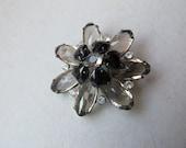 Vintage starburst flower brooch - black & light grey