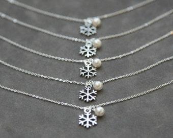 Bridesmaid Snowflake Bracelet,  Set of 8, Sterling Silver Snowflake Pearl, Winter Wedding Jewelry, Custom Bridesmaid Bracelet