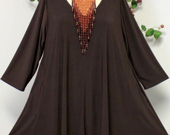 Dare2bstylish Versatile and oversize lagen look Plus size tunic with side pockets. Fits 1XL/2XL/3XL
