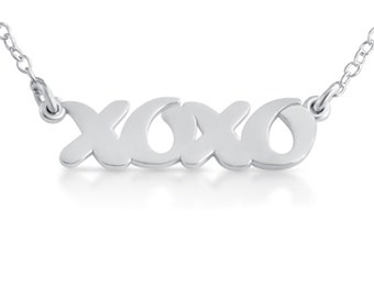 Script Word XOXO Hugs and Kisses Abbreviation Charm Pendant Jump Ring Necklace #925 Sterling Silver #Azaggi N0349S
