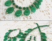 Chrysoprase Statement Necklace, natural gemstone vintage inspired collier, bib necklace with oval dangles, emerald green stone jewelry