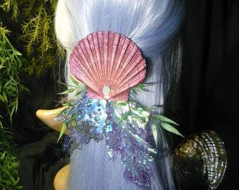 Ocean Treasure - wonderfull Hairdress with pearlescent Corals and huge Scallop