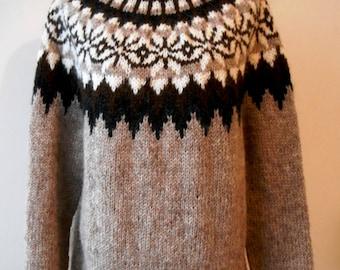 Beautiful sweater Icelandic / Original / Lopapeysa