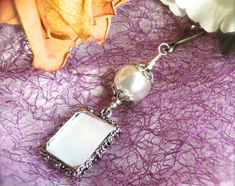 Wedding bouquet charm- white. Photo charm. Bridal bouquet charm. Memorial photo charm. Wedding keepsake. Personalized gift for the bride.