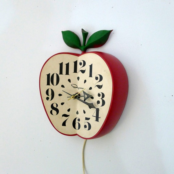 Vintage Ingraham Apple Wall Clock School House Teacher