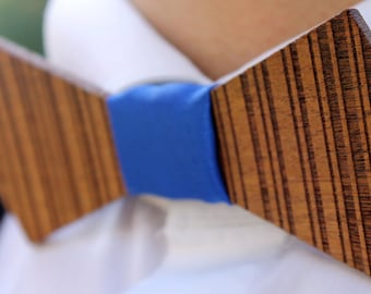 Nakuru. Bow tie of mahogany wood cut and engraved laser textured Nakuru.