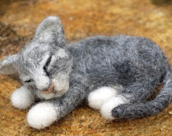 Needle felted cat, soft sculpture. Pet portrait Needle felted animal. felt cat. Handmade cat. Wool cat. needlefelt pet. Needle felted pet.
