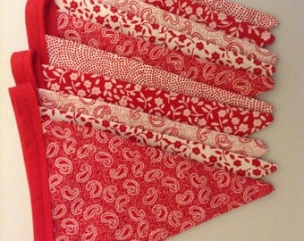 Red fabric bunting, traditional garland, cottage decor in red and white, party decor, gift for her, gift for new home, decorative pennants