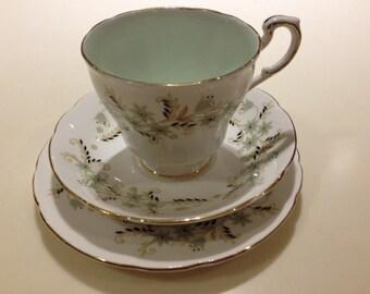 Vintage Paragon Delysia Teacup teaset. 1933 - 60