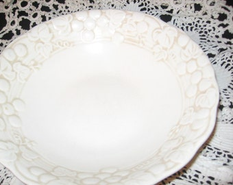 Metlox/Poppy Trail Antique White Vegetable Bowl/ Vintage Dinnerware/Ceramics/Stoneware