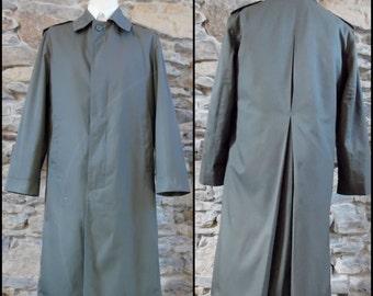 Mans military khaki slimfit raincoat khaki green French military rain coat long overcoat size small