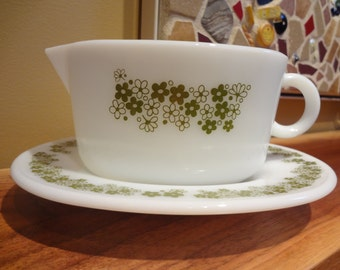 Pyrex Spring Blossom Green Gravy Boat & Underplate ('79) Crazy Daisy Pattern