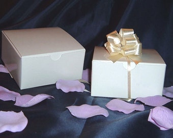 "Clearance - 100 Glossy Favor Boxes - 4""x 4"" x 2"" White - Wedding / Shower / Party Favors Favor Boxes - 100 Boxes"