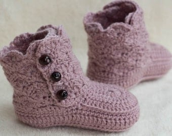 CROCHET PATTERN for Baby Boots with wood beads, Cheap Crochet Boot Pattern, Booties Pattern, Baby Boots Pattern, INSTANT download