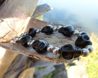 Black and silver beaded skull bracelet