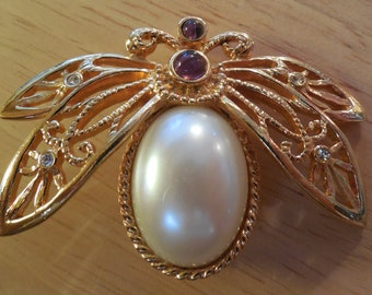 Avon Butterfly Brooch-Pearl and Amethyst Stones-Cabochon Pearl Set in Gold Tone Frame