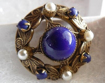 Original by Robert Gold Tone Brooch 1' Across, Blue Cabachon Stone Centerpiece, Beaded Edge with Faux Pearls and Blue