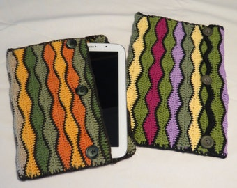Tablet cover in different sizes and colors, crochet with felt fabric lining. CUSTOM MADE