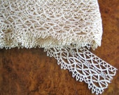 Vintage Tudor lace yardage - Elizabethan style 2 1/2 inch lace for ruffs. DESIGN (3)