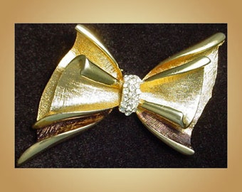 Vintage BSK Bow Brooch Pin
