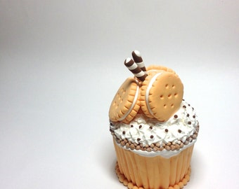 Handmade Clay Cupcake: Golden Creme Cookies with Pirouettes and Frosting