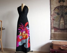 70s halter dress, vintage maxi dress, floral print, backless evening dress, size small. Vintage fashion for her, retro style. Spring summer