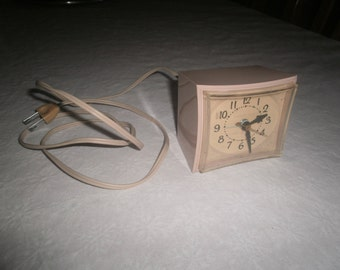 GE Electric Alarm Clock Model 7296 K Works Well Free Shipping