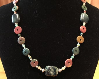 Agate and Jasper necklace and matching earrings.