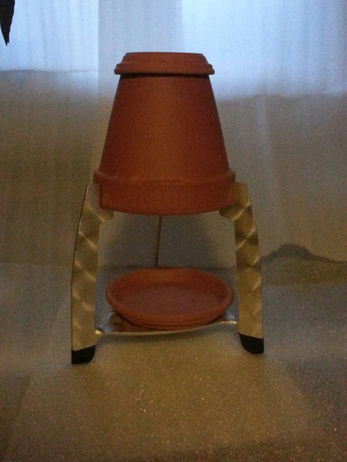 6 inch Flower Pot Heater Ready to place one or more candles