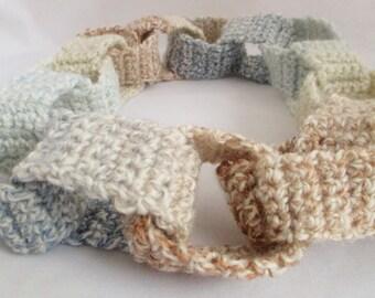 Crochet loop necklace