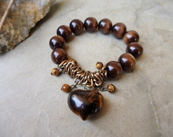 Brass chain and tiger-eye stones bracelet with heart pendant