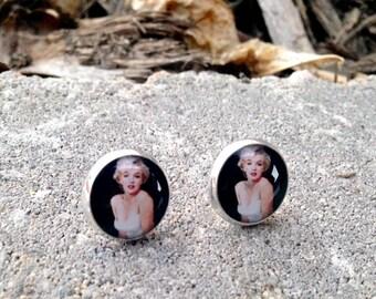 Iconic Marilyn post earrings