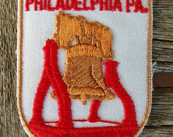 Philadelphia Pennsylvania Vintage Souvenir Travel Patch from Voyager