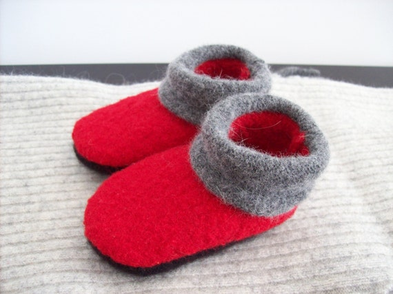 Shop the trusted name in baby shoes, socks and apparel. At truexfilepv.cf, you will soft sole shoes made with the healthy feet of your infant and toddler in mind, socks that will stay on your baby's feet, and an extensive selection of comfortable, high quality baby clothes.