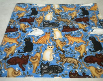 Cats galore Bandana (50x50 cm).  Colourful cotton fabric.