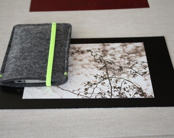 Covers custom for iPhone or smartphone made by hand-felt grey clear-tape elastic in color