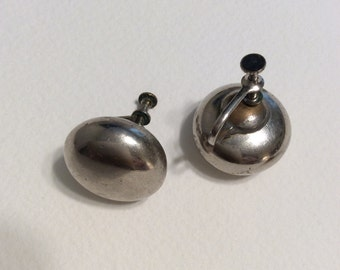 Vintage silver screw back earrings,Vintage Jewelry, Vintage Earrings, Screw Back
