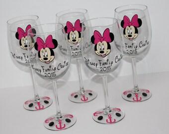 Minnie Cruise Wine Glass