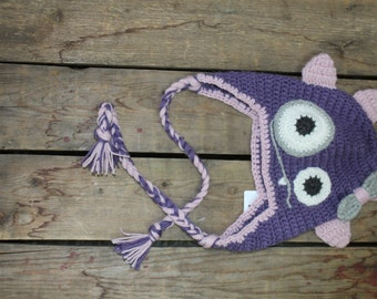 Tuque-Monster child girl hand in Quebec made wool Alpaca