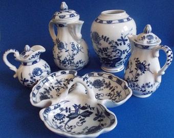Beautiful 5 piece Seymour Mann Blue Onion Design fine china.
