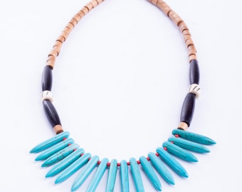 Ethnic points necklace